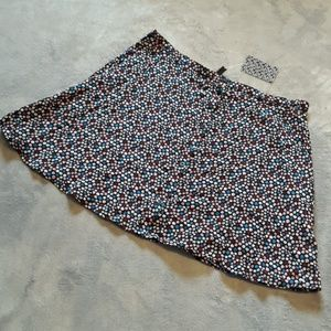 NWT Divided by H&M women's size 12 floral skirt